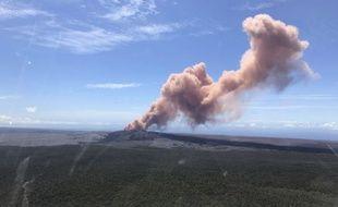 Des milliers d'habitants de Hawaii ont été invités à se réfugier après une éruption volcanique.