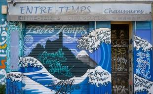 Un commerce fermé en raison du confinement, à Marseille