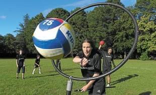 Les membres du Nantes Quidditch s'entraînent chaque semaine sur le campus du Tertre.