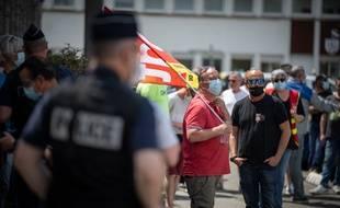 Des salariés de la Fonderie de Bretagne étaient mobilisés devant le tribunal de Lorient au moment de l'audience réclamée par Renault, désireux de lever le blocage du site industriel de Caudan (Morbihan).