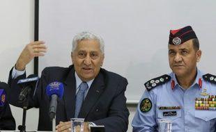Le Premier ministre jordanien Abdallah Nsour (à gauche), lors d'une conférence de presse au camp d'Azraq en Jordanie, le 30 janvier 2016