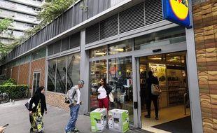 Le magasin Lidl de la rue Labrouste (Paris 15e) après la razzia.