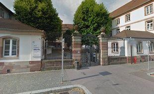 Les faits se sont produits au Lycée Oberlin, dans le quartier de la Krutenau à Strasbourg.