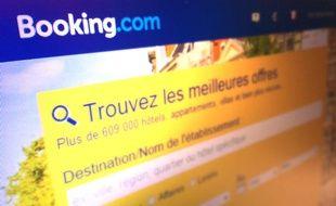 Le site Booking.com recrute 100 personnes à Tourcoing.
