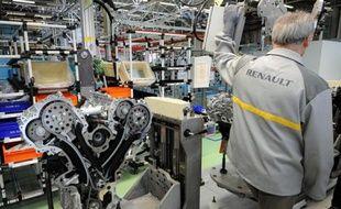 Une cadre de la Poste et un salarié de Renault se sont suicidés sur leur lieu de travail à Noisy-le-Grand et sur le site de Renault Cléon, a-t-on appris vendredi de sources syndicales.