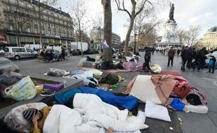 Campement de migrants sur la place de la République, le 21 décembre 2015 à Paris