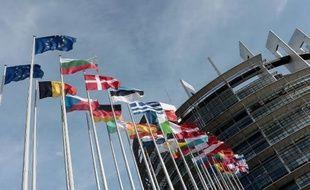 Des drapeaux devant le Parlement européen de Strasbourg, le 11 mars 2014