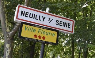 Dominique Aubry, veuve d'un célèbre marchand d'art, était retrouvée pendue à l'aide d'une corde de marin à l'escalier intérieur de sa péniche amarrée à Neuilly-sur-Seine