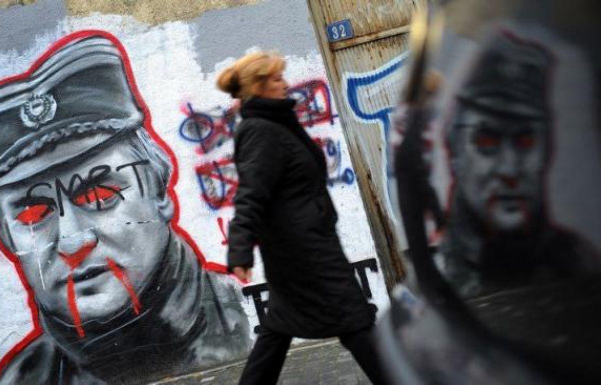"""Ratko Mladic était jadis considéré comme un """"héros"""" en Serbie mais désormais, parmi ses compatriotes, très peu se soucient de son procès pour génocide qui s'ouvre mercredi devant le Tribunal pénal international pour l'ex-Yougoslavie. – Andrej Isakovic afp.com"""