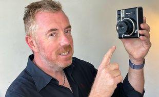 L'Instax mini 40 de Fujifilm déclenche la nostalgie.