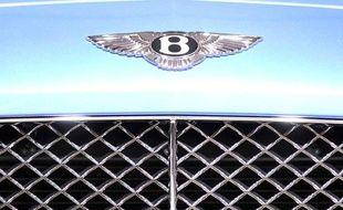 Logo de la marque de voitures de luxe Bentley.