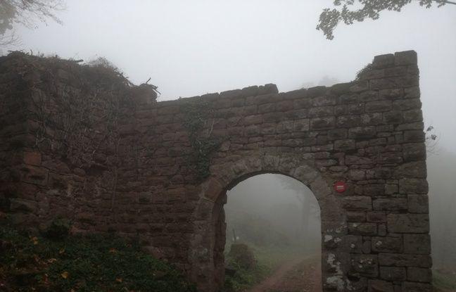 Plus grand château-fort d'Alsace, le Guirbaden (Bas-Rhin) a été construit du Xe au XIIIe siècle.