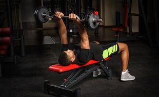 Pour vous aider à choisir, voici un comparatif des meilleurs bancs de musculation.