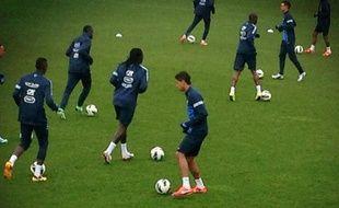 L'entraînement des joueurs de l'équipe de France, le mardi 19 mars 2013 à Clairefontaine.