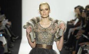 Cette robe Oscar de la Renta s'est vendue sur eBay en décembre, 2.200 euros.