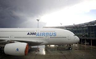 Un  A380 prêt à être livré sur le tarmac de Toulouse-Blagnac