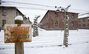 Une perspective du camp d'Auschwitz, à l'occasion du 70e anniversaire de sa libération.