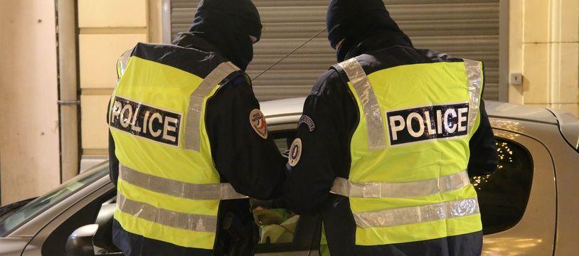 Un contrôle de police, à Douai le 31 décembre 2020.