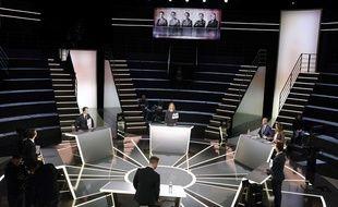 A la veille du débat, le CSA s'inquiète de confirmation de certains candidats