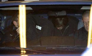 La cour d'appel de Paris examinera le 11 mai une demande de remise en liberté de l'ancien numéro 2 de la police judiciaire (PJ) de Lyon, Michel Neyret, incarcéré depuis le 3 octobre dans une affaire qui secoue la police, a-t-on appris jeudi de source proche du dossier.