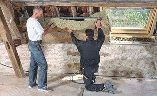 Des travaux d'isolation sont organisés pour réduire les dépenses d'énergie.