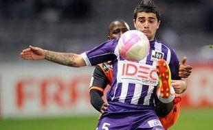 Le Toulousain Paulo Machado contre Lorient, le 10 mars 2012 à Toulouse.