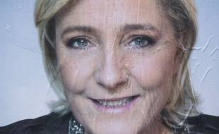 Une affiche de la campagne présidentielle de Marine le Pen à Paris.