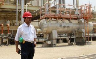 """L'Iran a minimisé l'embargo pétrolier occidental entré en vigueur dimanche, en affirmant que ces sanctions visant à le convaincre de réduire son programme nucléaire controversé n'auraient """"aucun effet"""" sur son économie."""