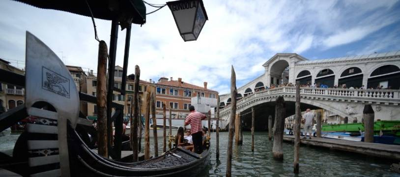 Illustration de gondoles  à Venise