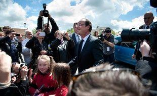 François Hollande, après une déclaration à Tulle, devrait fêter, s'il est élu, sa victoire à la Bastille, tandis que Nicolas Sarkozy s'exprimera à la Mutualité, avant de participer, s'il est réélu, à un rassemblement à la Concorde, selon des sources concordantes.