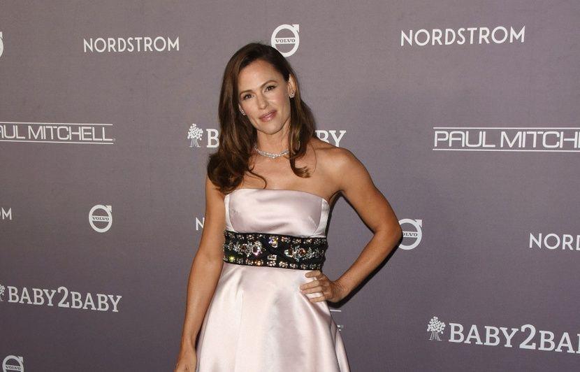 VIDEO. Jennifer Garner voit Noël en grand… Lena Dunham sobre et seule...