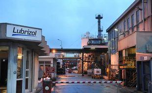 L'usine  Lubrizol, près de Rouen, où une fuite de gaz a provoqué un nuage  nauséabond jusqu'à la région parisienne. Le 22 janvier 2013.