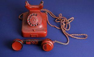 Le téléphone rouge d'Adolf Hitler, vendu aux enchères le 19 février 2017.