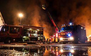 Un incendie a détruit un bâtiment agricole dans le sud de la Haute-Garonne, dans la nuit de mardi à mercredi.