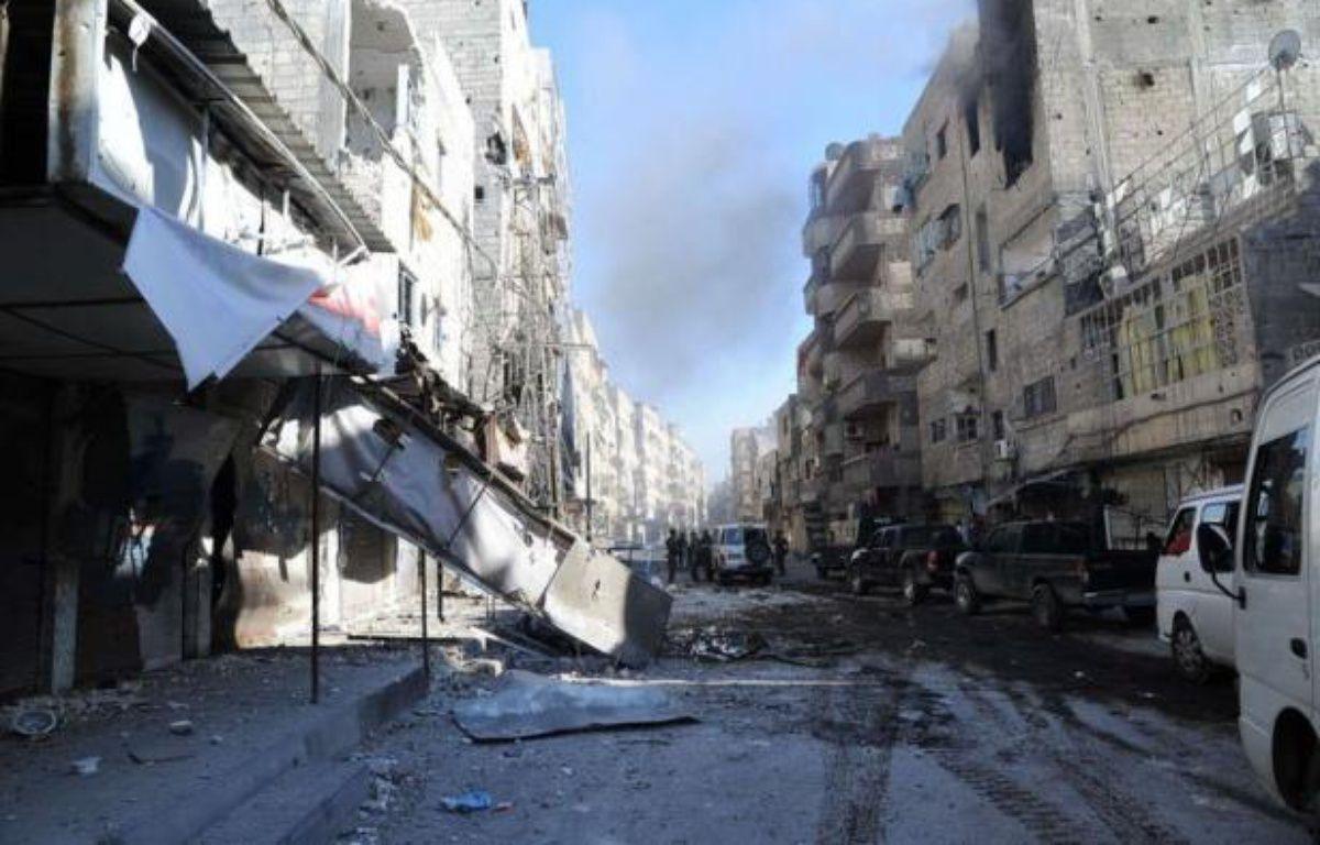 L'armée, qui a achevé son déploiement autour d'Alep, bombardait et livrait bataille aux insurgés dans la ville avant de lancer l'offensive décisive pour le contrôle de cette métropole du nord de la Syrie, enjeu crucial du conflit. –  afp.com