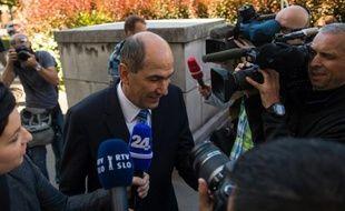 """L'ancien Premier ministre conservateur slovène Janez Jansa (de 2004 à 2008, puis de 2012 à 2013) a été condamné mercredi par le Tribunal de Ljubljana à deux ans de prison ferme et 37.000 euros d'amende pour corruption dans le cadre du """"procès Patria"""", un contrat d'armement de chars finlandais."""