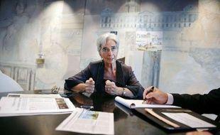 """La ministre de l'Economie Christine Lagarde a indiqué lundi sur France Info qu'elle attendait """"une meilleure performance"""" de la croissance au quatrième trimestre qu'au troisième où elle s'est établie à 0,4%, selon les premières estimations de l'Insee."""