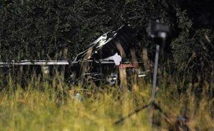 Les débris de l'hélicoptère photographiés après le crash dans l'Ain, le dimanche 21 juin 2009