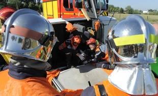 Illustration. Vendenheim le 25 05 2011. Exercice des sapeurs-pompier sur un accident fictif.