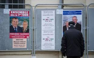 Affiches électorales à Hérimoncourt, le 21 janvier 2015, pour l'élection législative partielle de la 4ème circonscription du Doubs