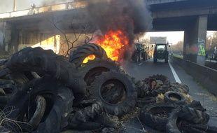 Mercredi 7 février, lors du blocage des agriculteurs, sur l'A620, le périphérique toulousain.