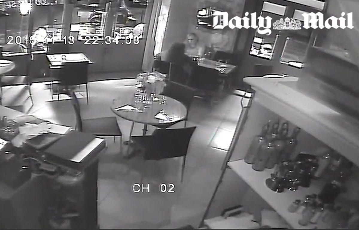 Une image de la vidéosurveillance du restaurant La Casa Nostra, vendue au «Daily Mail». – Capture d'écran / 20 Minutes
