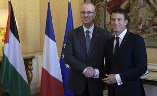 Le Premier ministre français, Manuel Valls, et son homologue palestinien, Rami Hamdallah, avant le premier «séminaire gouvernemental franco-palestinien», le 10 septembre 2015 à Matignon, à Paris.