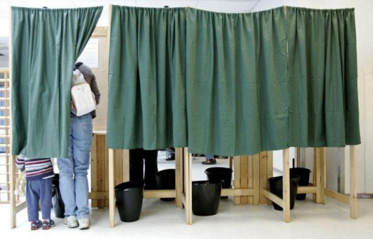 Une semaine avant la métropole et la majorité des outre-mer, les Français de l'étranger et les Polynésiens sont invités ce week-end à voter pour le premier tour des législatives, un mois après l'élection à l'Elysée de François Hollande. – Shaun Curry afp.com