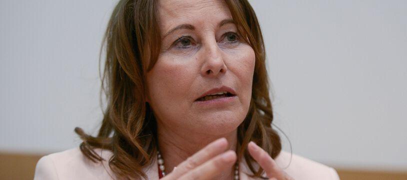 L'enquête préliminaire visant l'usage fait par l'ex-ministre Ségolène Royal des moyens mis à sa disposition en tant qu'ambassadrice des Pôles a été classée sans suite.