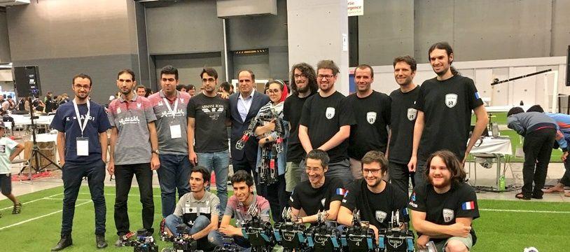 L'équipe de France de foot de robots, Rhoban, dirigée par des scientifiques bordelais, est chamionne du monde pour la troisième fois.