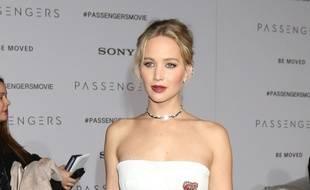 L'actrice Jennifer Lawrence à l'avant-première de Passengers à Hollywood