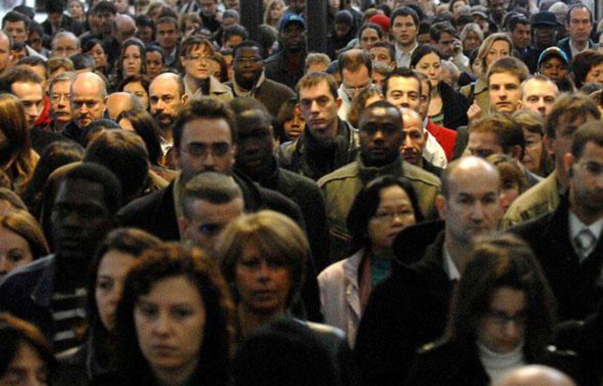 Foule à la gare Saint-Lazare à Paris, le 18 octobre 2007  – CHAMUSSY / SIPA