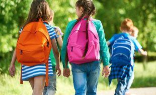 La scolarité de votre enfant vous donne droit à diverses aides, dont une réduction d'impôt.