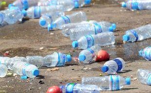 La ville américaine de Concord (Massachusetts, nord-est) est devenue le 1er janvier la première à interdire la vente de petites bouteilles d'eau en plastique, par souci de l'environnement.